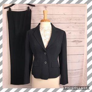 ANNE KLEIN women suit set  blazer size 8p pant 10p